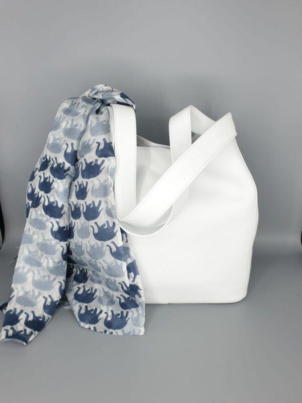 Tasche mit Schal